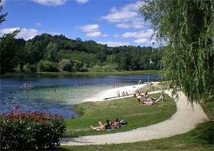 Picnic and bathing in Nantheuil de Thiviers